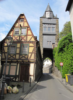 Bacharach Steeger-Tor